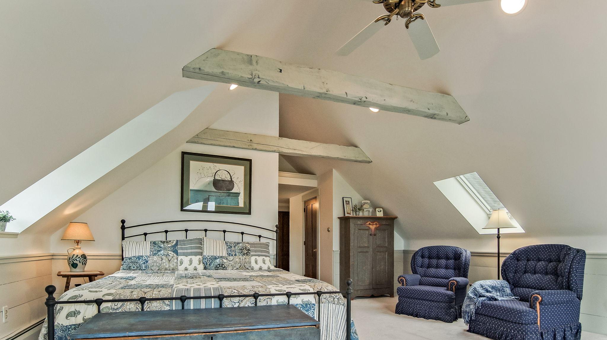 Master Bedroom - Sitting Area