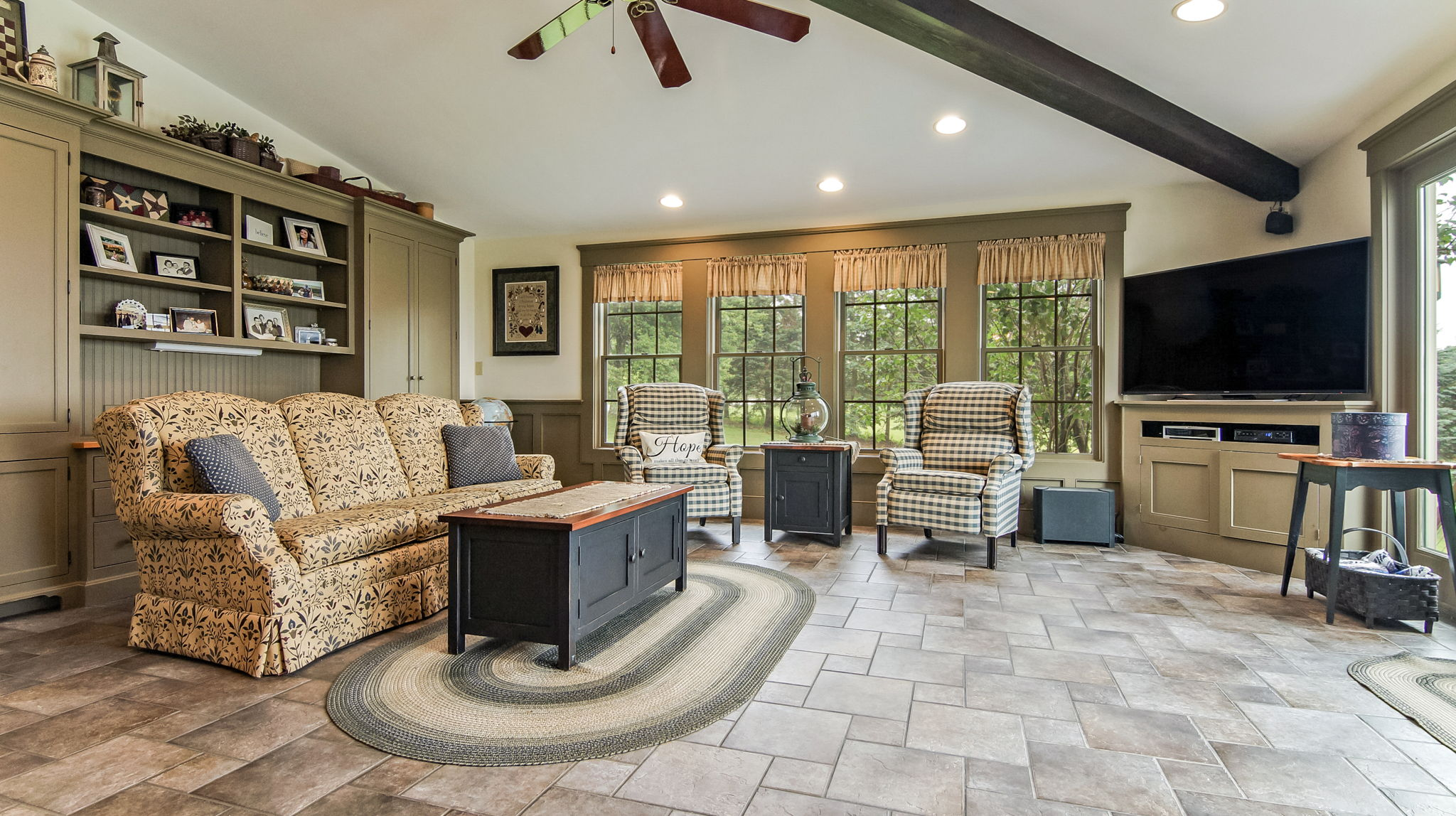 Expansive Living Room With Vaulted Ceiling