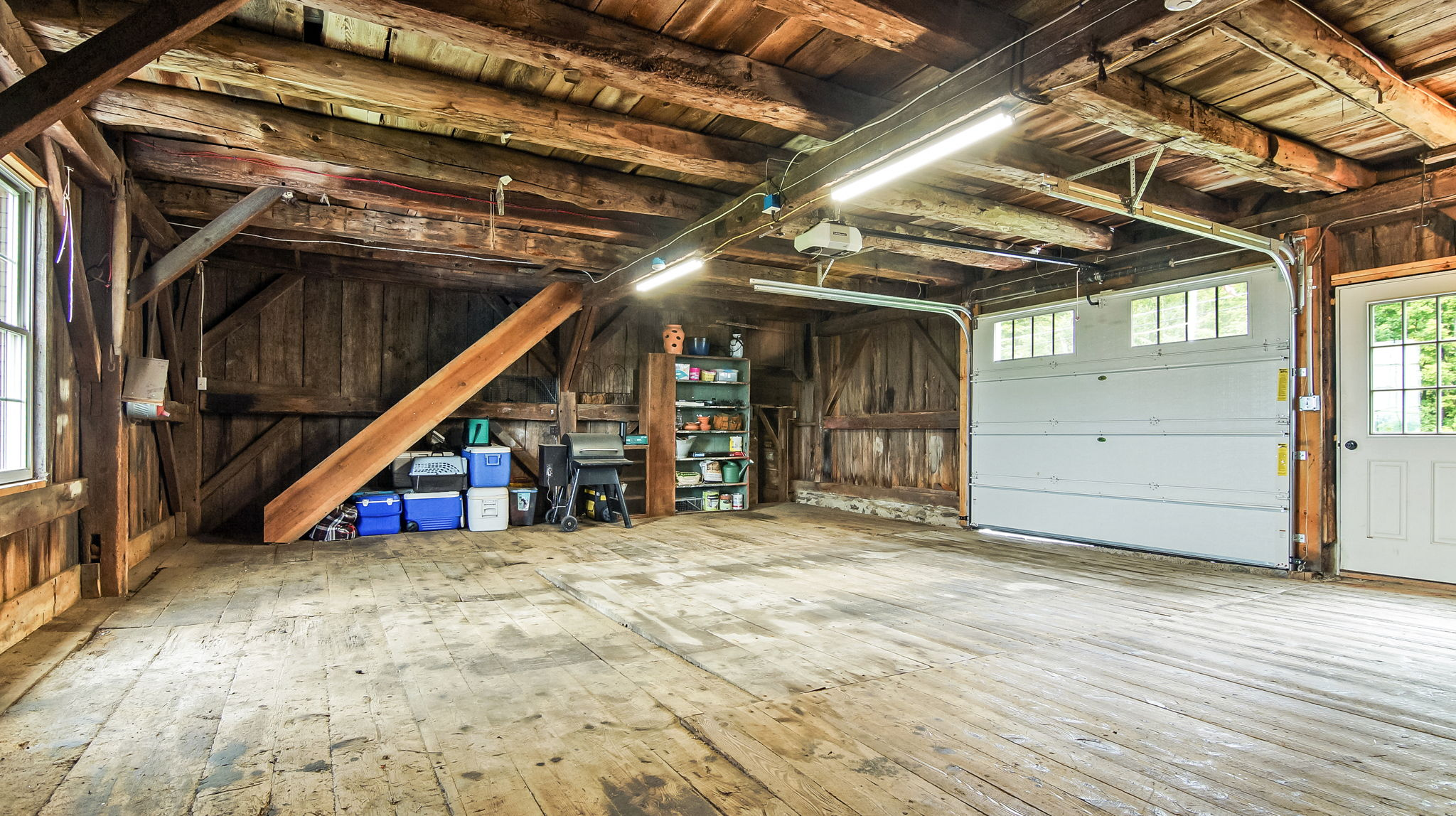 Attached Barn/Garage