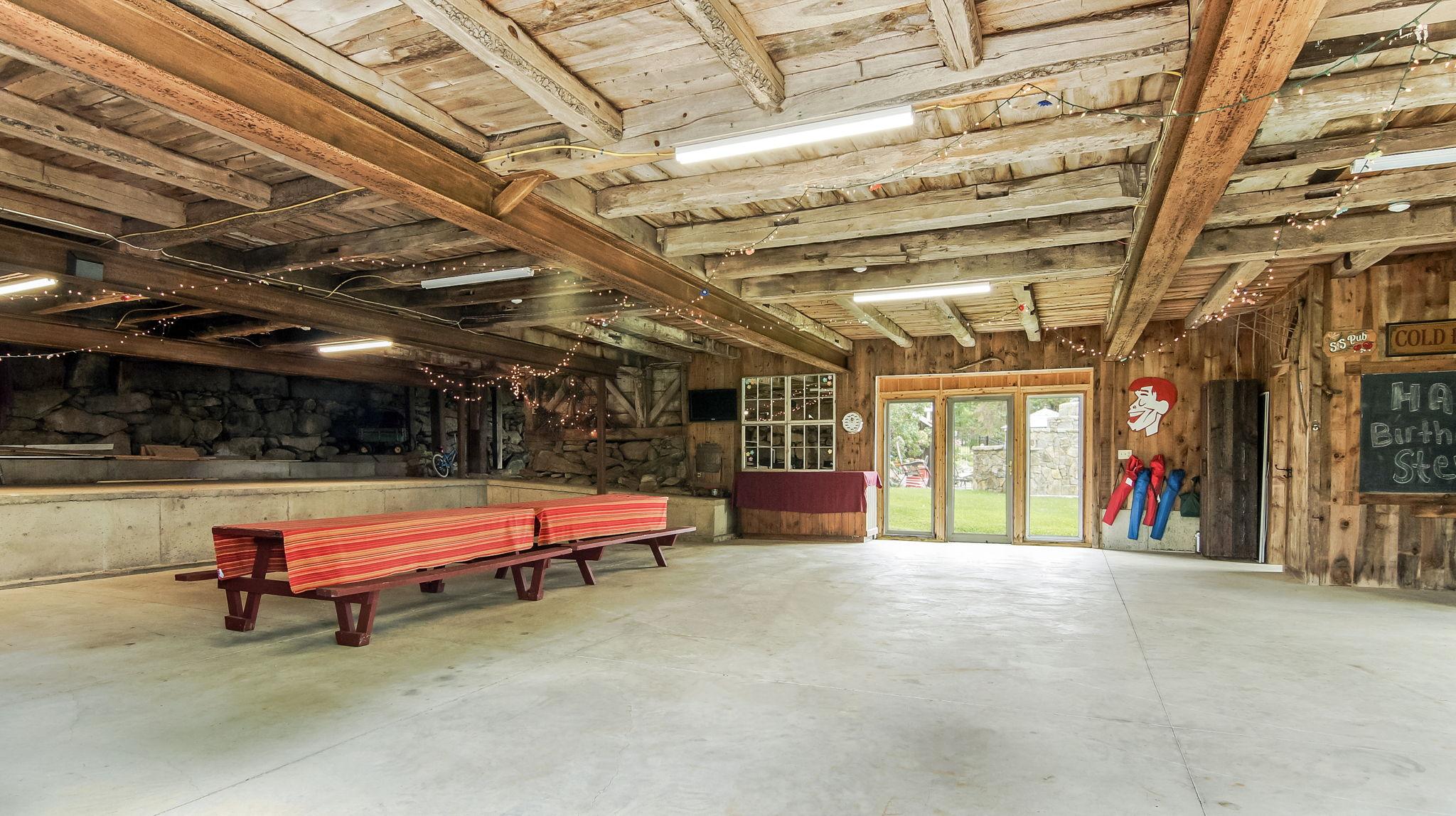 40' x 60'+- Main Barn Walk-Out Basement