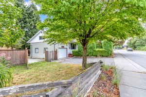 9348 Ashwell Rd, Chilliwack, BC V2P 3W2, Canada Photo 4