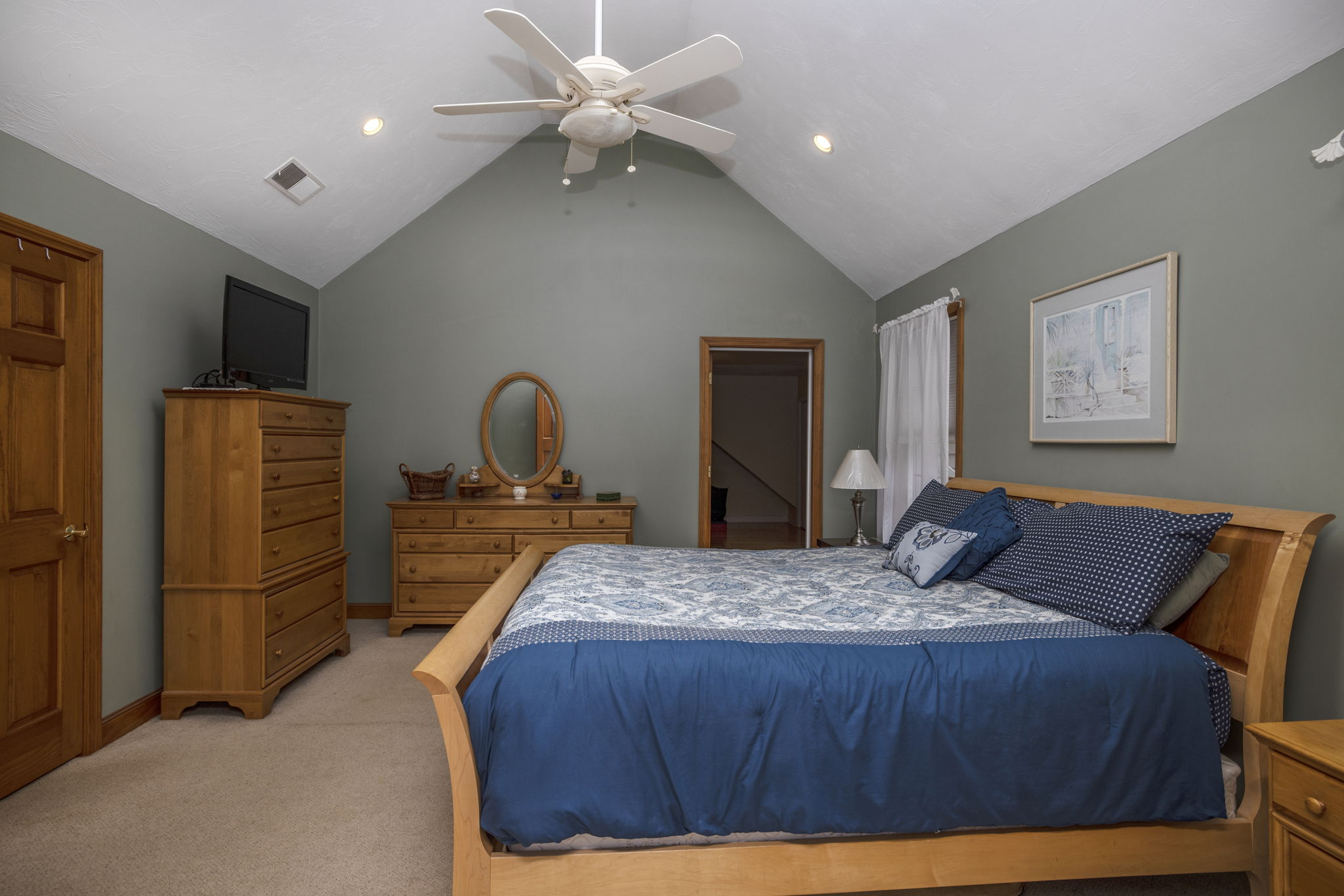 Master Bedroom-Cathedral ceiling