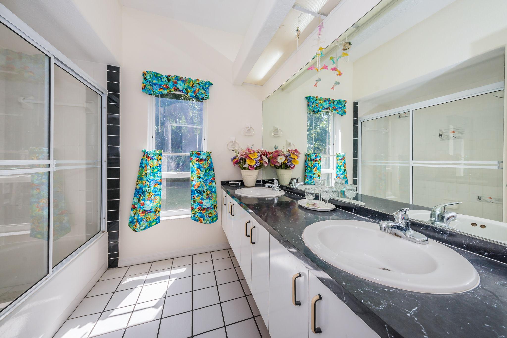 Bathroom2-3
