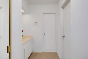 615 E Olive Ave unit D, Burbank, CA 91501, US Photo 14