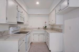 615 E Olive Ave unit D, Burbank, CA 91501, US Photo 10