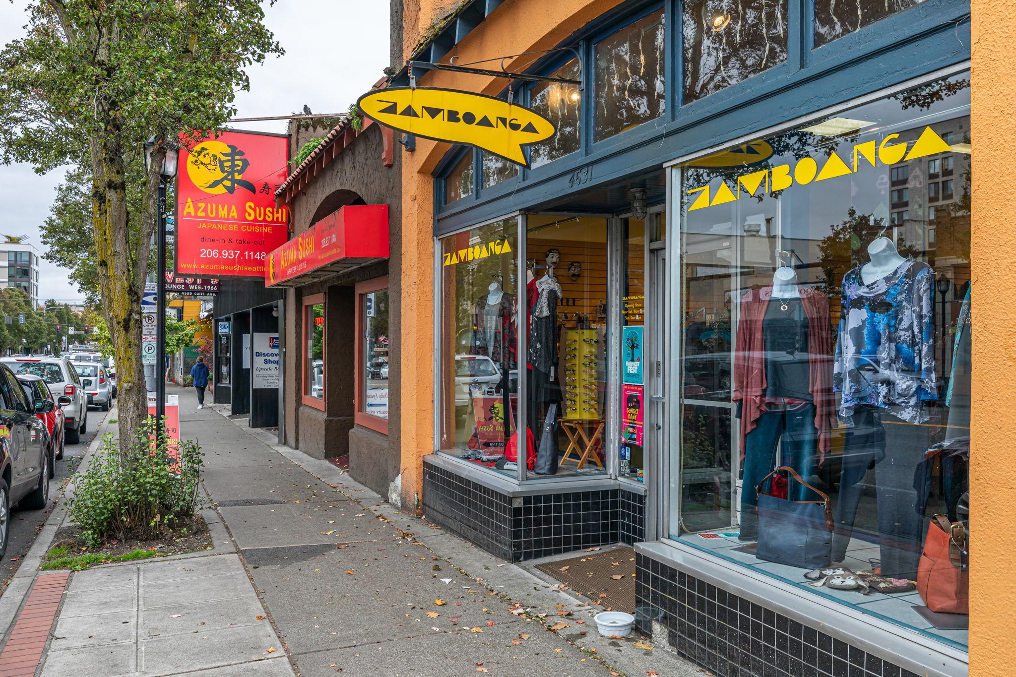 Shopping on California Street 1 block away