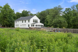 7 Newhouse Dr, Derry, NH 03038, US Photo 15