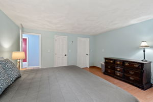 7 Newhouse Dr, Derry, NH 03038, US Photo 44