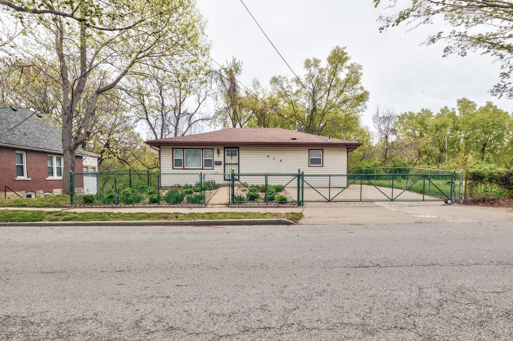 313 Montgall Ave, KCMO, MO 64124, US