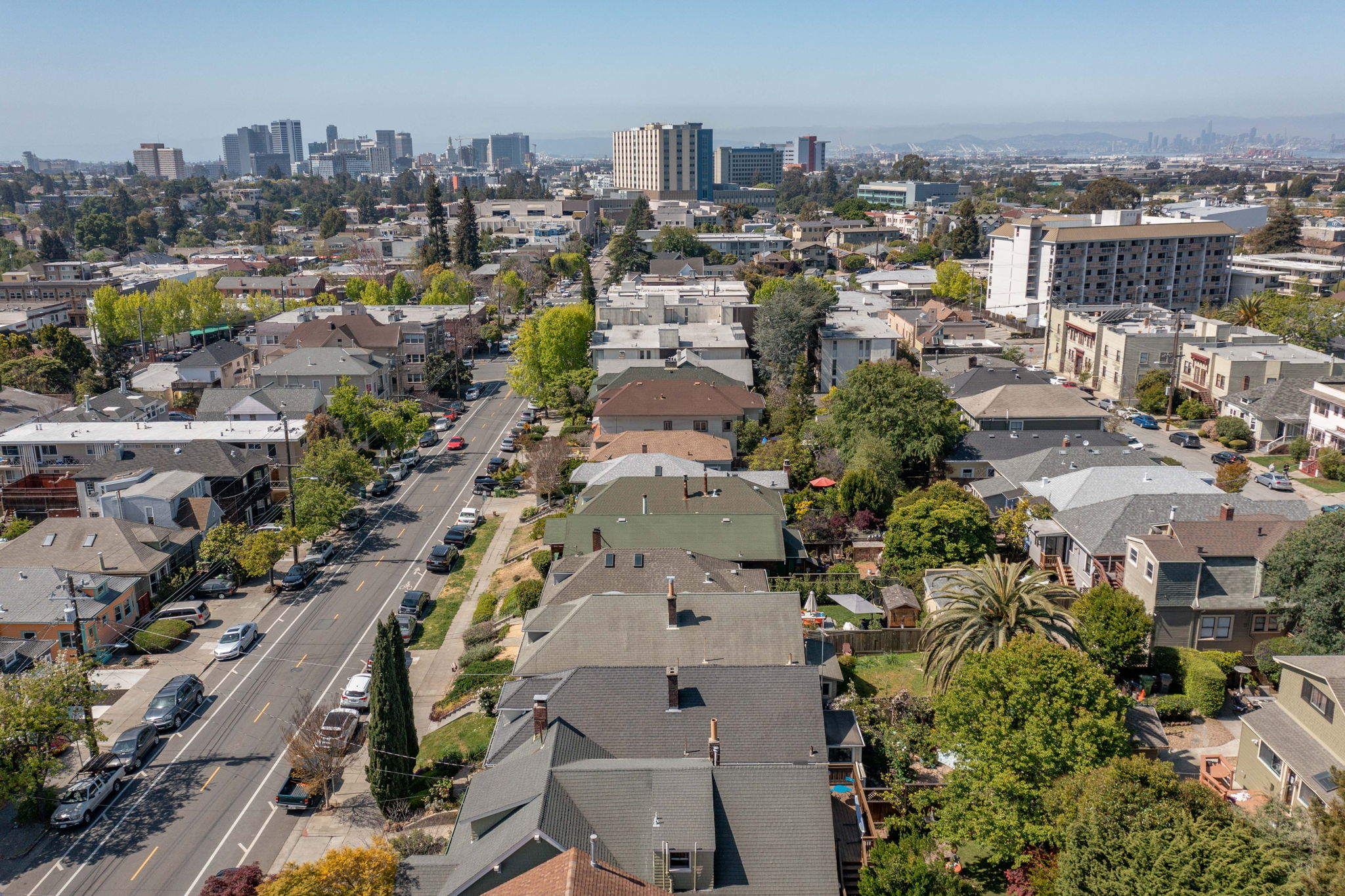 Close Proximity to Downtown Oakland