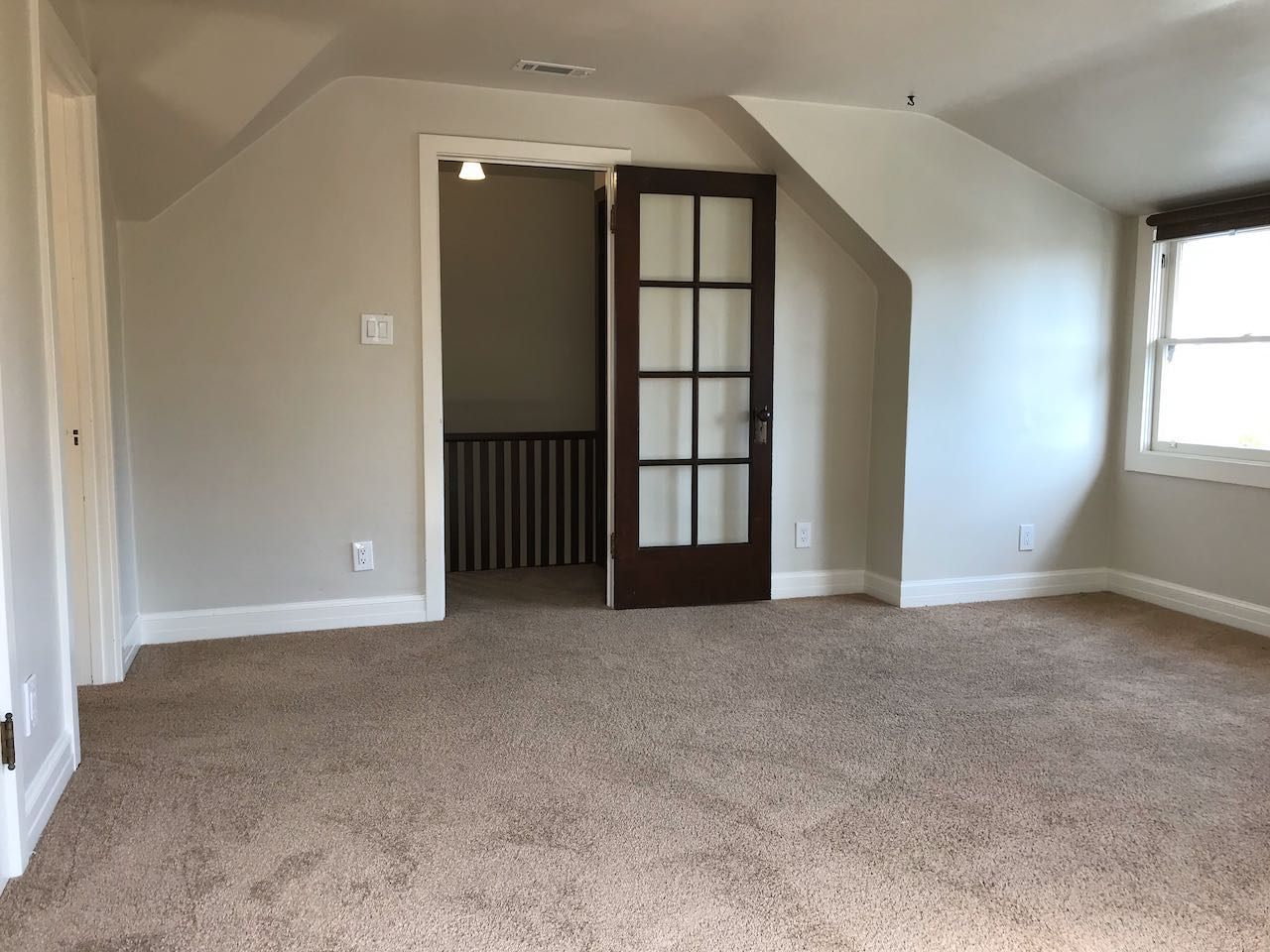 Spacious Entry Bedroom or Living Area
