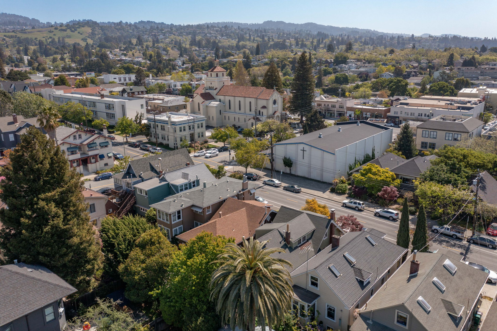 Aerial View from Howe to Piedmont Avenue