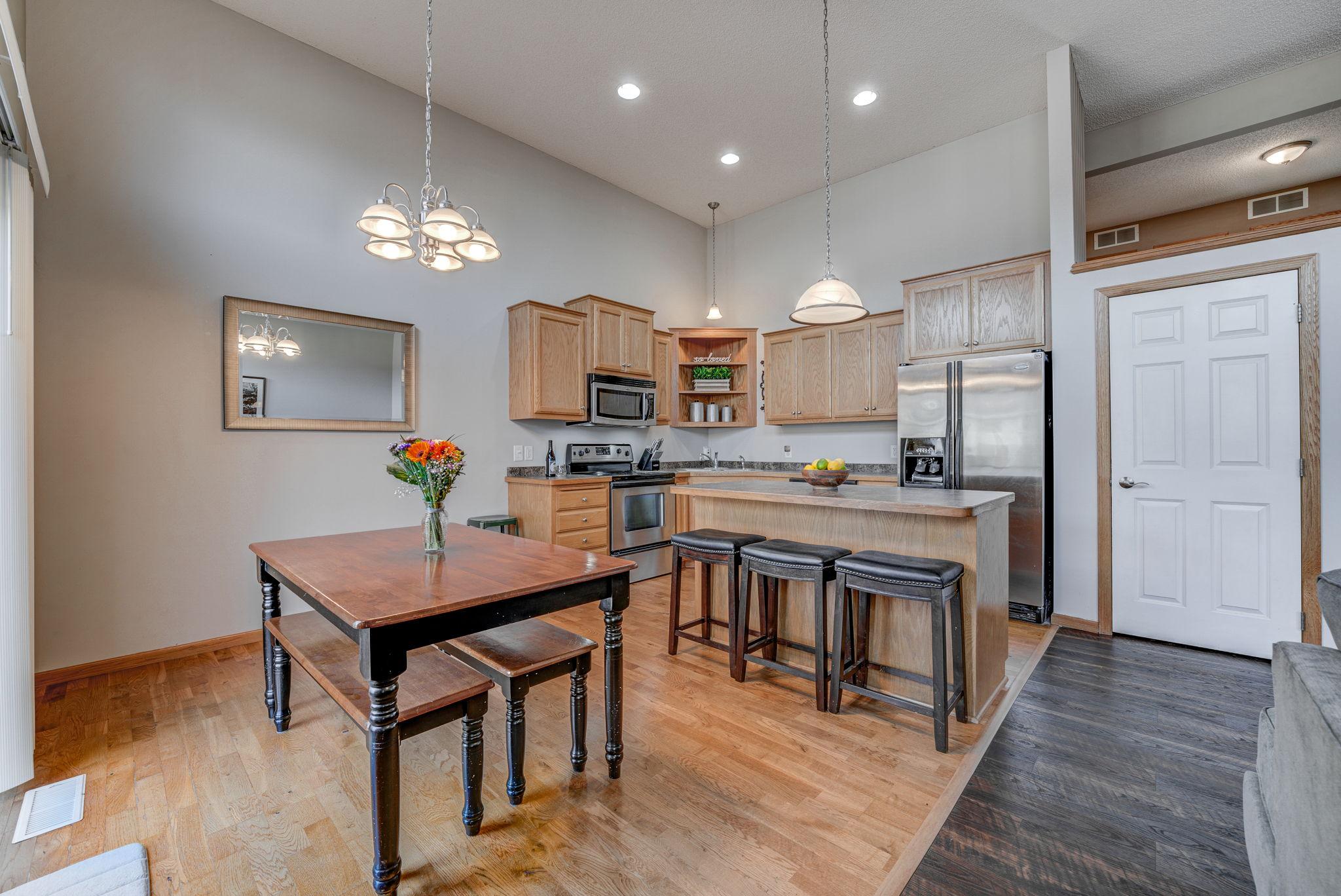 Kitchen/Eating Area