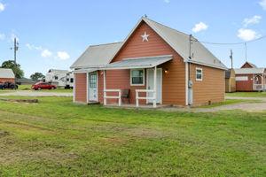 573 TX-97, Floresville, TX 78114, US Photo 1
