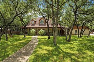 788 Killarney Rd, Floresville, TX 78114, USA Photo 3