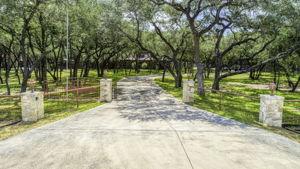 788 Killarney Rd, Floresville, TX 78114, USA Photo 0