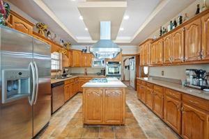 788 Killarney Rd, Floresville, TX 78114, USA Photo 9