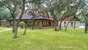 788 Killarney Rd, Floresville, TX 78114, USA Photo 2