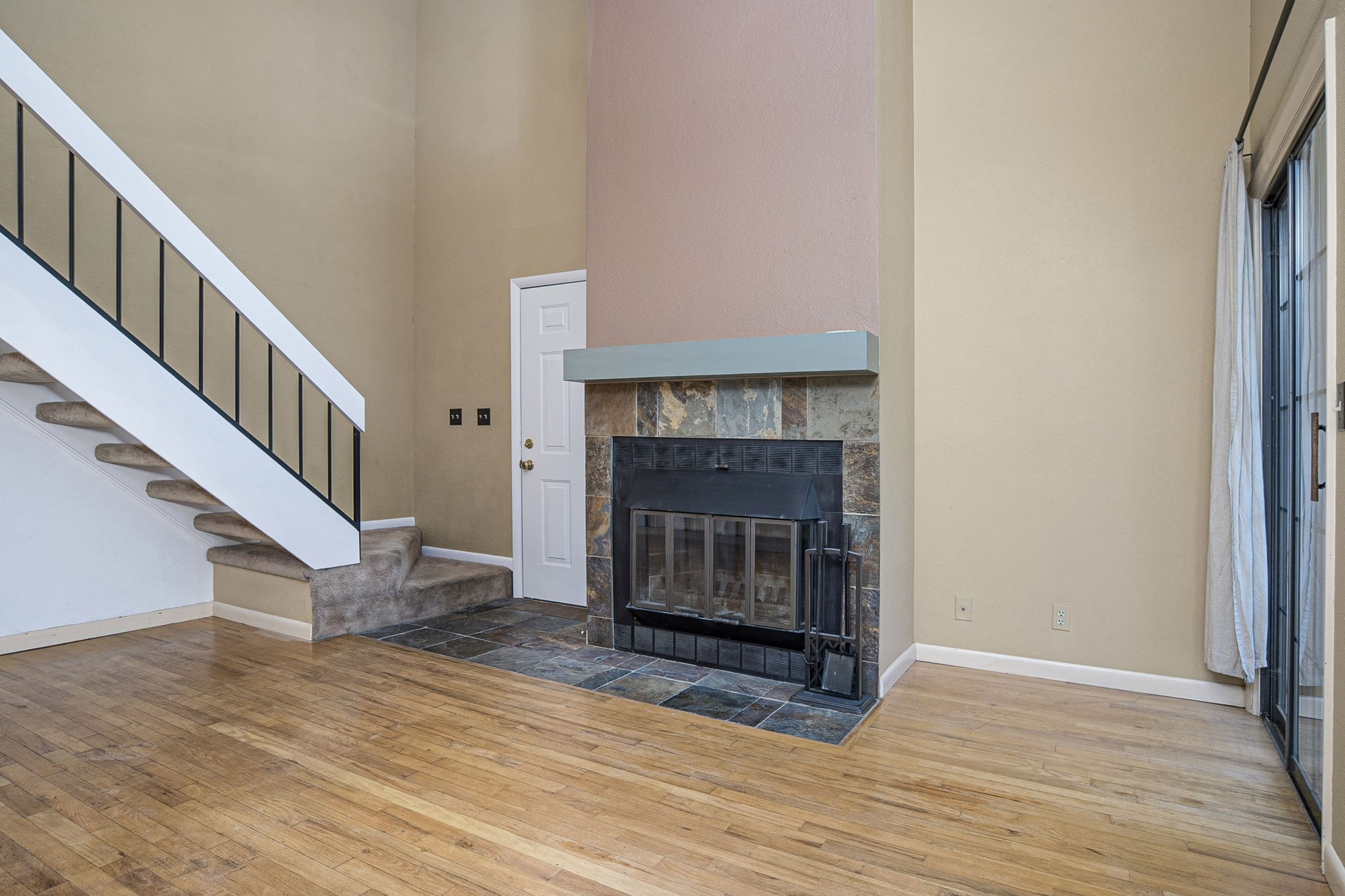 FIREPLACE FOR COZY NIGHTS!