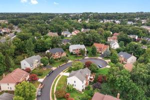 14221 Pony Hill Ct, Centreville, VA 20121, USA Photo 42