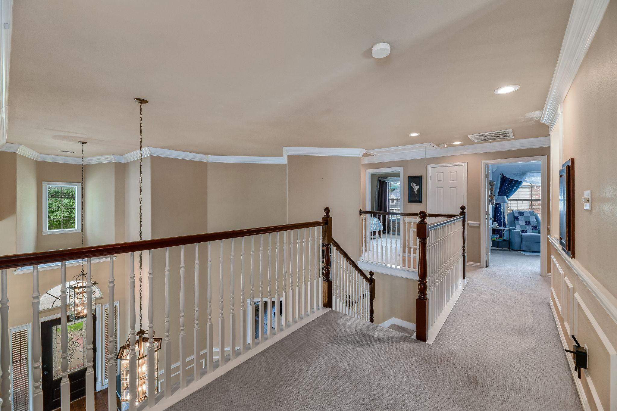 032-Upstairs Loft-FULL