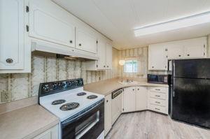 Kitchen 3-2