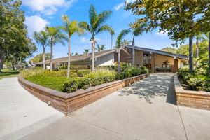 8933 Biscayne Ct, Huntington Beach, CA 92646, USA Photo 42