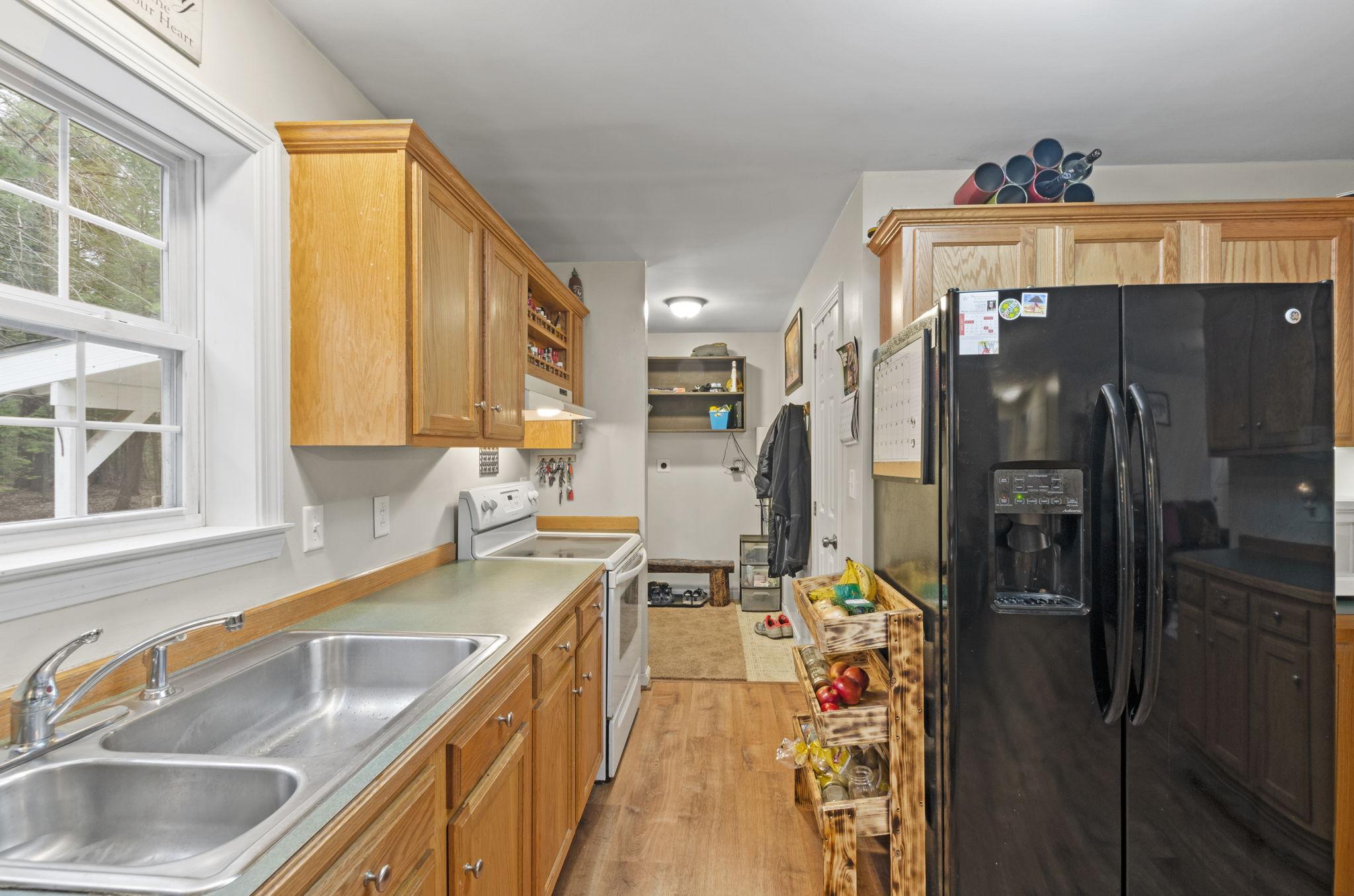 Kitchen - Side Entry