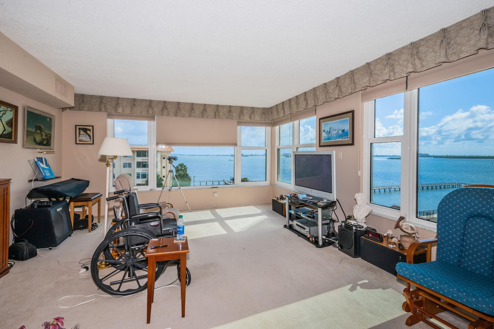 Living Room2-5