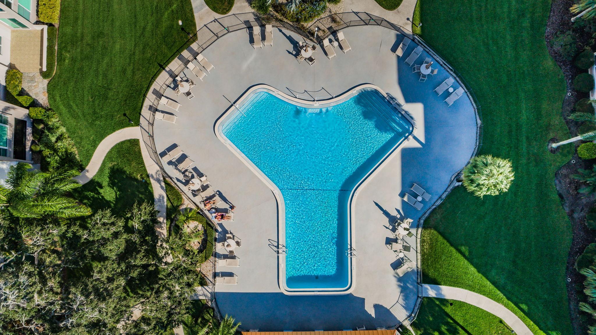33-Edgewater Arms Pool