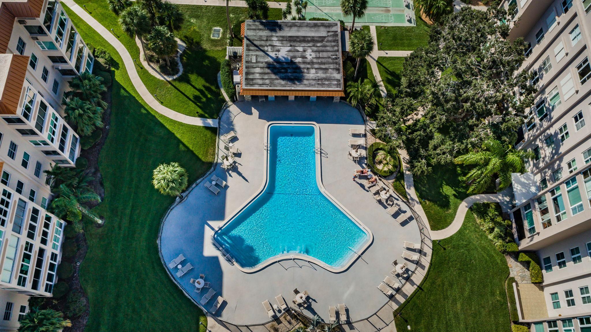 21-Edgewater Arms Pool