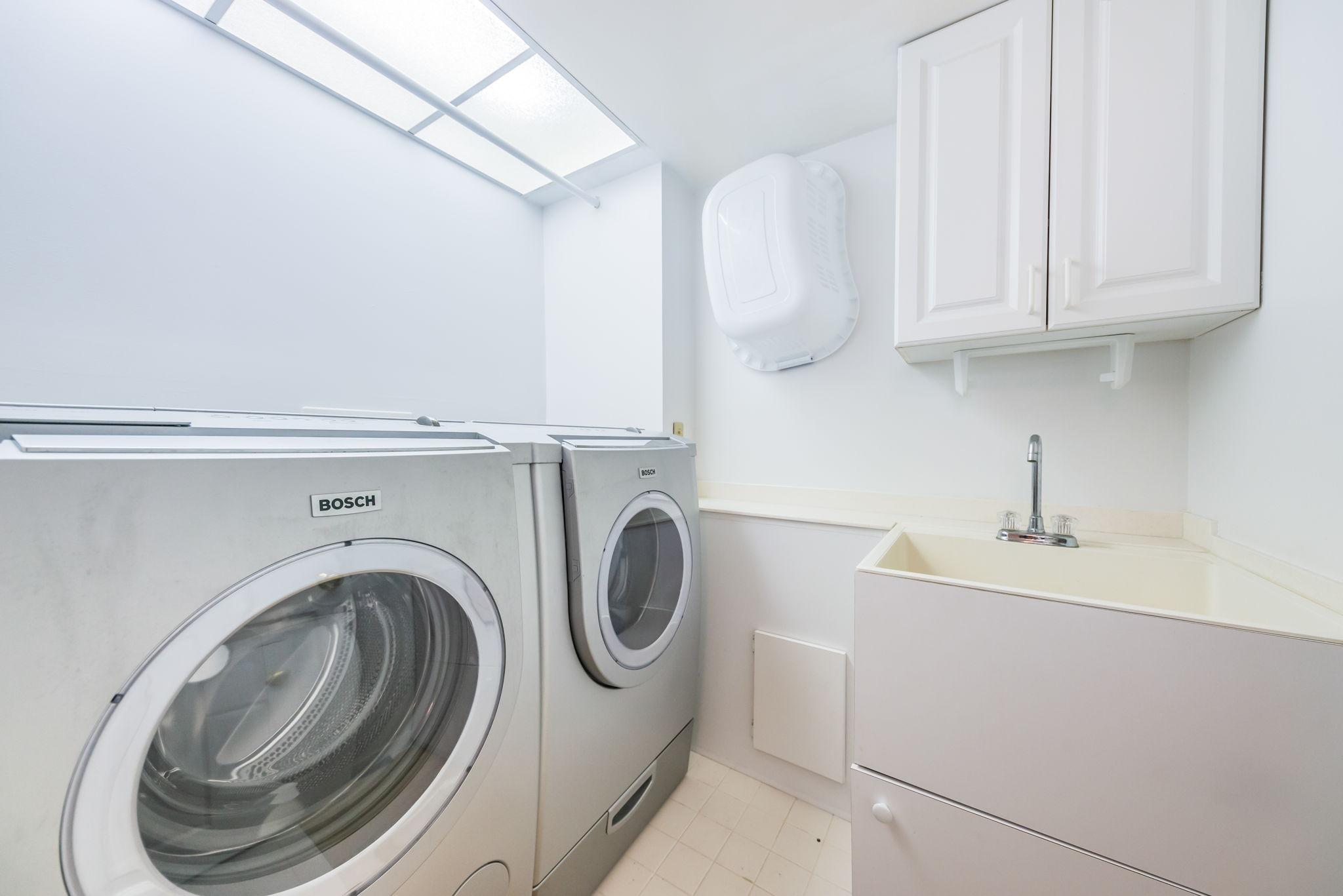 Laundry Room-3