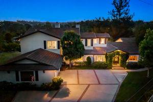 5845 Hilltop Rd, Hidden Hills, CA 91302, US Photo 33