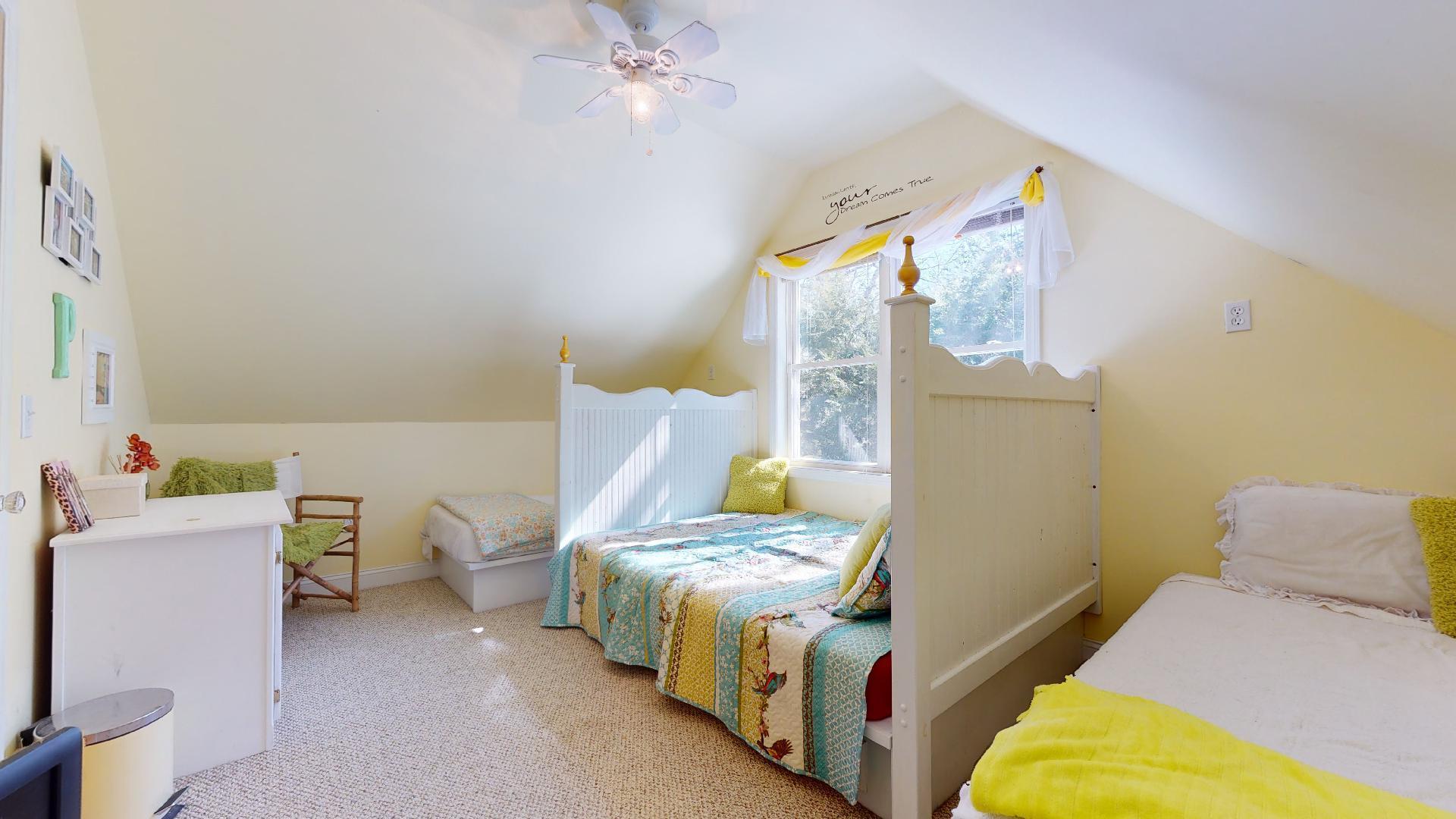Bedroom Right 1