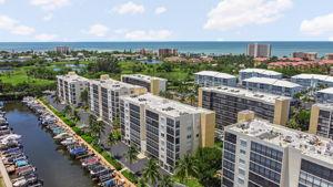 4421 Bay Beach Ln, Fort Myers Beach, FL 33931, USA Photo 2