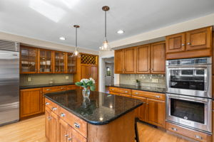 75 Thornberry Rd, Winchester, MA 01890, US Photo 7