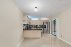 1525 Park Meadows Dr, Fort Myers, FL 33907, USA Photo 8
