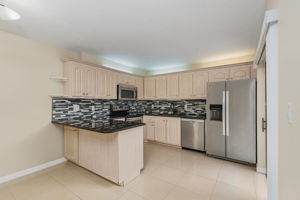 1525 Park Meadows Dr, Fort Myers, FL 33907, USA Photo 10