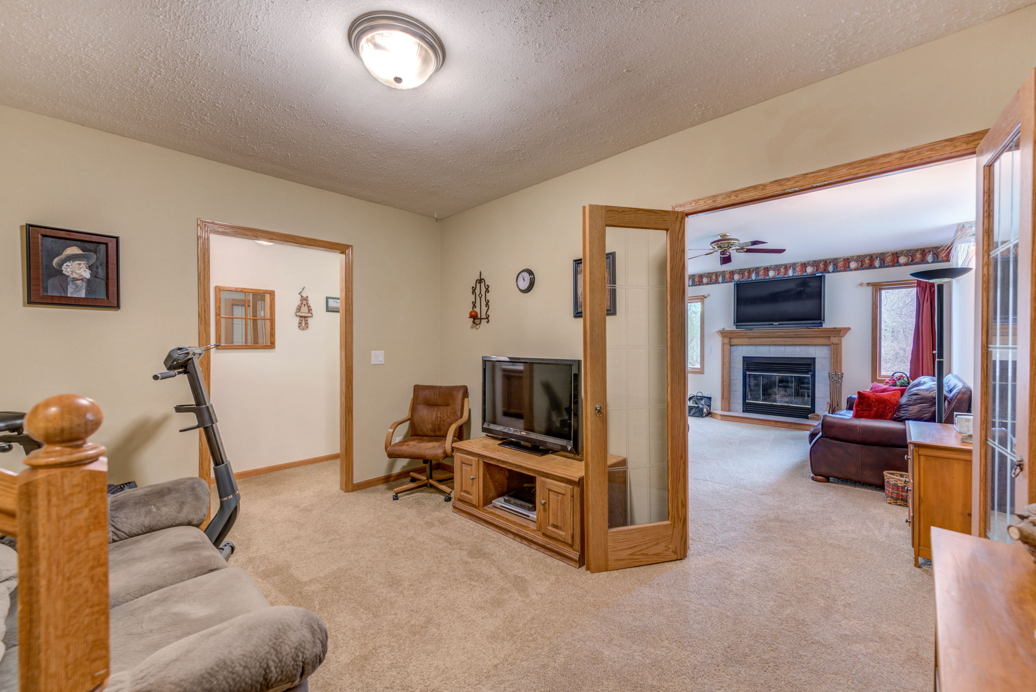Lower level flex or sitting room