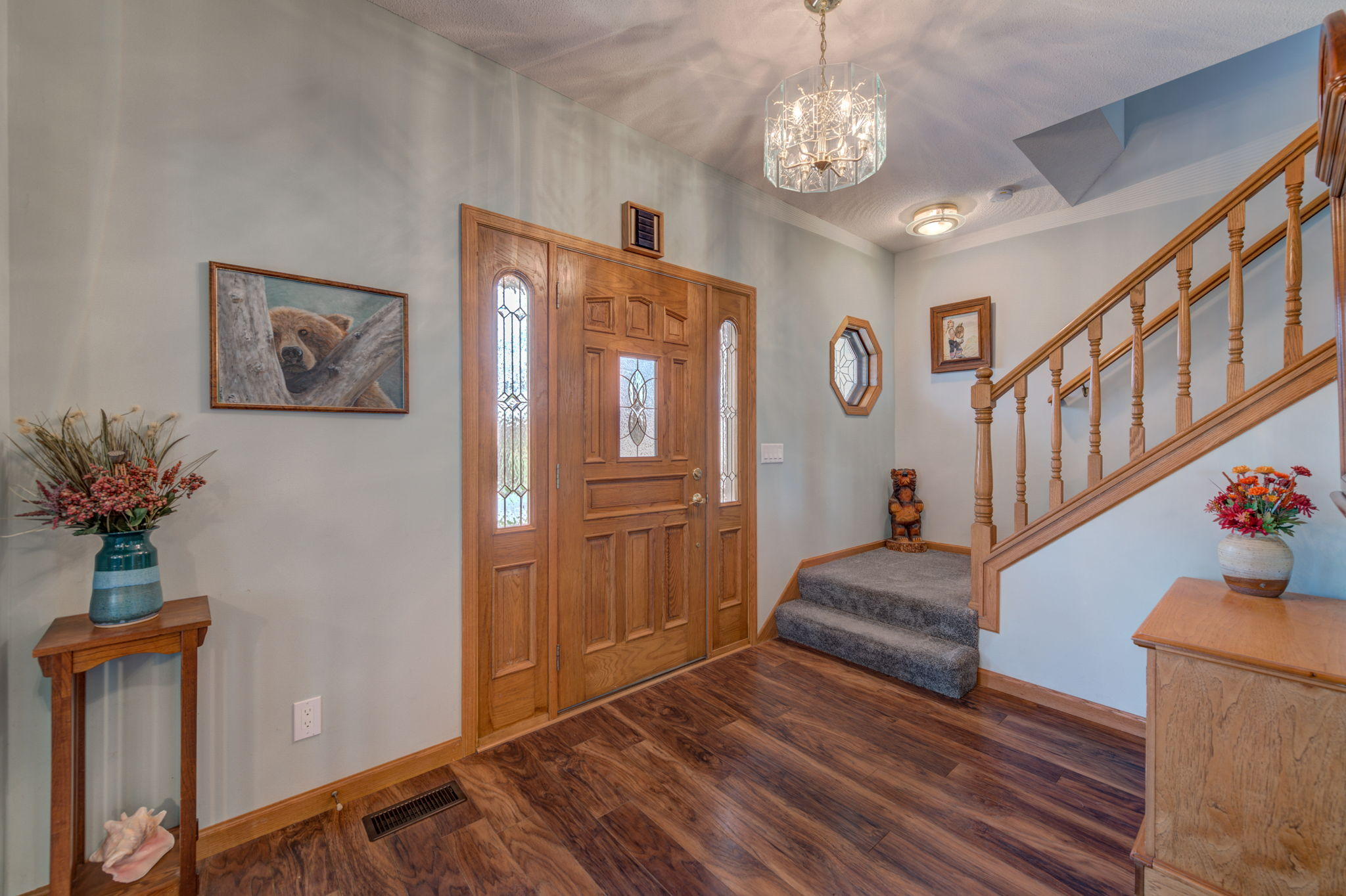 Foyer and 4' wide staircase