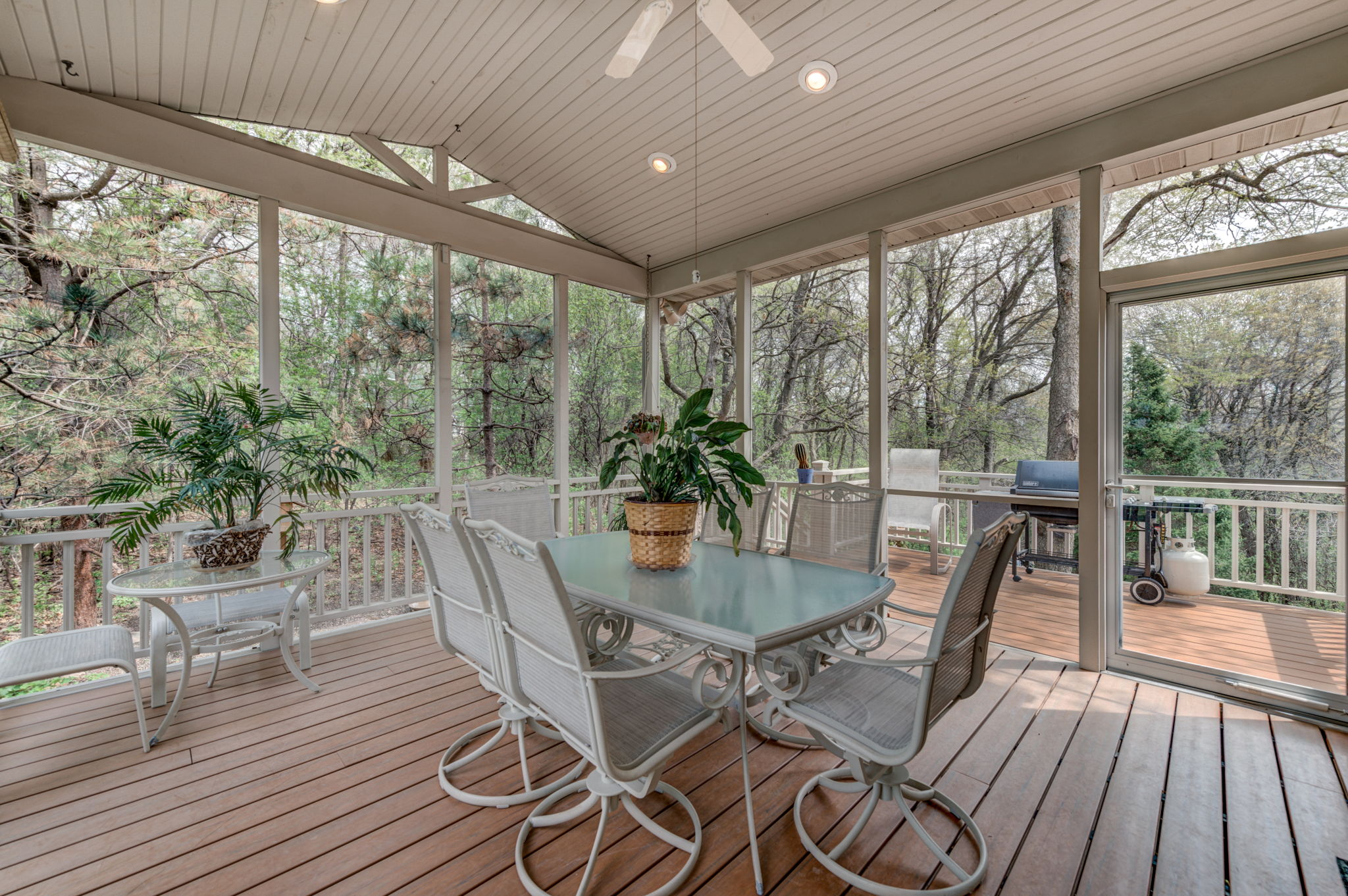 Lovely screen porch and maintenance free deck
