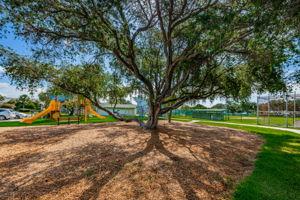 15-Rosselli Park