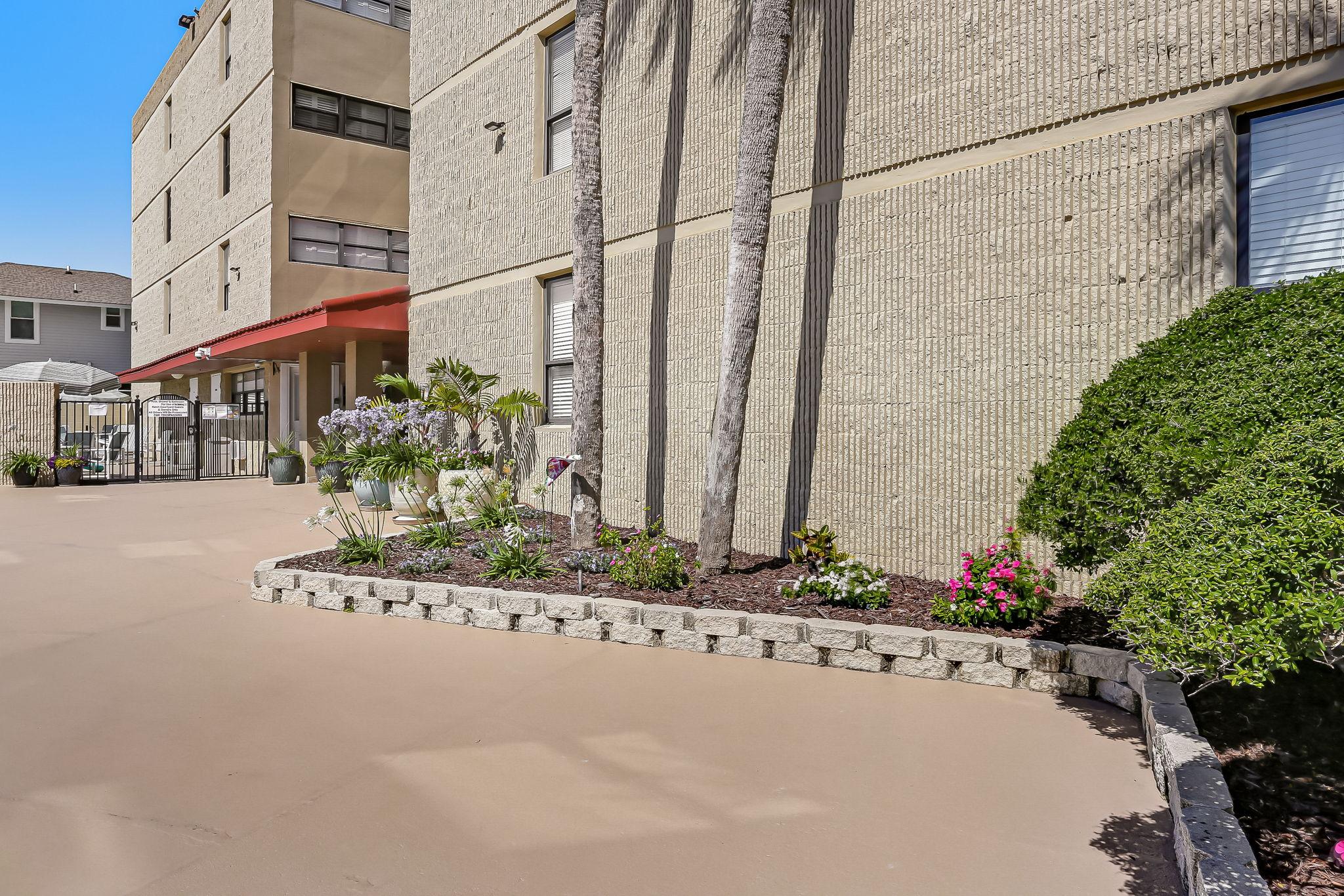 Ketch Courtyard