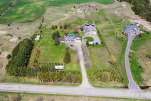 20061 Willoughby Rd, Caledon, ON L7K 1W1, CA Photo 2