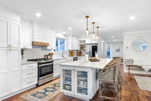 4 Flatley Ave, Manchester-by-the-Sea, MA 01944, US Photo 14