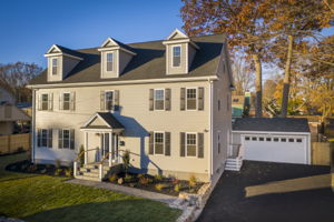 4 Flatley Ave, Manchester-by-the-Sea, MA 01944, US Photo 6