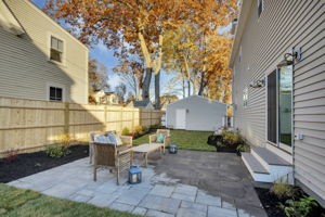 4 Flatley Ave, Manchester-by-the-Sea, MA 01944, US Photo 4