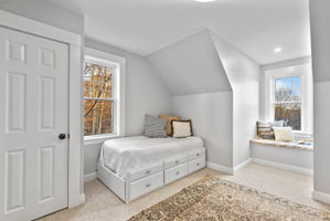 4 Flatley Ave, Manchester-by-the-Sea, MA 01944, US Photo 79