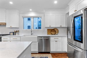 4 Flatley Ave, Manchester-by-the-Sea, MA 01944, US Photo 23