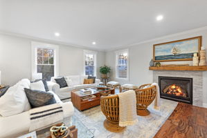 4 Flatley Ave, Manchester-by-the-Sea, MA 01944, US Photo 26